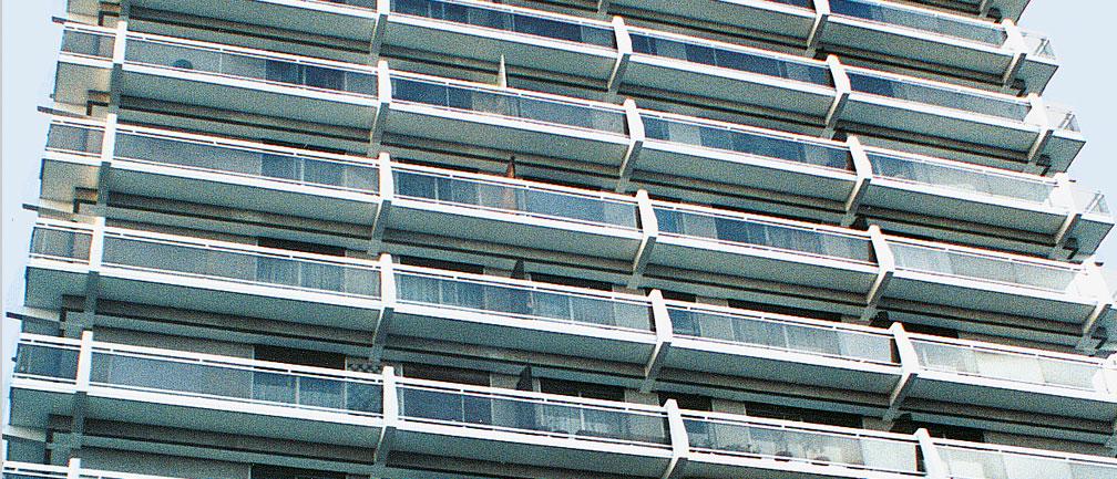 Slider image _ Dallnet _ Abschlussprofile für Balkone